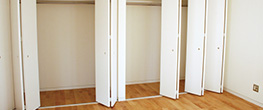 r_0002_closet